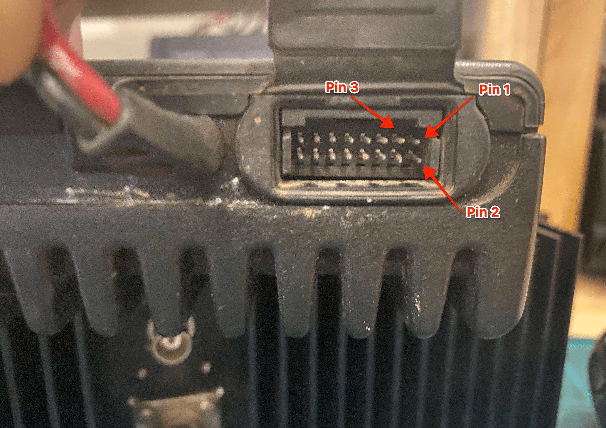 Motorola SM50 specifications - accessory connector